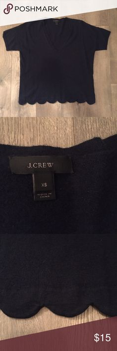JCrew scalloped sweater Absolutely adorable sweater from JCrew. In perfect condition, just not my style anymore! Absolutely no pilling or stains! So cute for fall! Message for more pictures/questions. Sorry, no trades. J. Crew Sweaters V-Necks