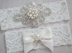 KATE Style A-Wedding Garter Set Bridal Garter Set by LovelyGarters