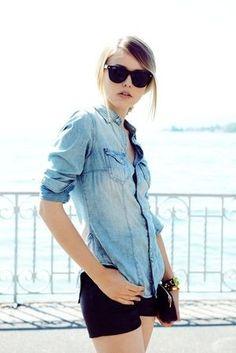 ブラックを持ってくると締まる◎春夏のデニムシャツコーデ ファッションを集めました♪