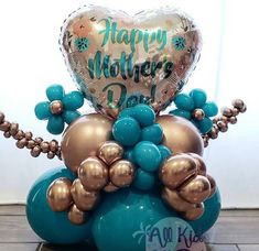Birthday Balloon Decorations, Balloon Centerpieces, Diy Party Decorations, Birthday Balloons, Balloon Bouquet Delivery, Mothers Day Balloons, Balloons Galore, Mother's Day Projects, Small Balloons