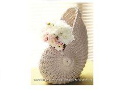 "Ravelry: ""Nautilus Shell"" Crochet Basket pattern by Julia SimpleCraftTutorials Crochet Home Decor, Crochet Art, Love Crochet, Crochet Motif, Beautiful Crochet, Crochet Designs, Crochet Crafts, Crochet Flowers, Crochet Toys"