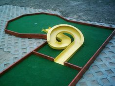 """Portable miniature golf courses for indoor and outdoor use 