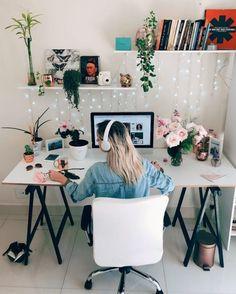 como criar um home office na sua casa Cozy Home Office, Home Office Setup, Home Office Space, Home Office Design, Workplace Design, Office Ideas, Study Room Decor, Bedroom Decor, Spring Home