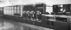 De geschiedenis van de computer: Door de tweede wereld oorlog begon de groei van de computers sneller te groeien. De computers waren handig voor berekenen van dingen. Zeker in de tweede wereld oorlog hadden ze computers nodig om dingen makkelijk te meten hoever iets kon gaan.