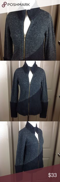 Royal Robbins Zip Cardigan Sweater S Wool Blend Great Condition Royal Robbins Zip Cardigan Sweater Small Black/White Speckle/Colorblock 34/30/24/15 Wool/Acrylic/Nylon/Lyocell 22.5 inch length 17 inch across bust Royal Robbins Sweaters Cardigans