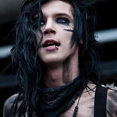 Andy Biersack | 19 Emo Guys Who Got Your Heart Beating Faster And Faster