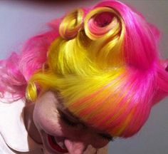 Rockabilly Hair - pink and yellow Vintage Hairstyles, Pretty Hairstyles, Flame Hair, Yellow Hair, Pink Yellow, Rockabilly Hair, Pin Up Hair, Wild Hair, Dream Hair