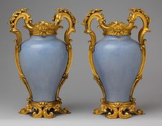 Pair of mounted vases [Chinese porcelain with French mounts] (1977.102.1,.2) | Heilbrunn Timeline of Art History | The Metropolitan Museum of Art
