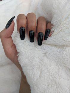 Acrylic Nails Coffin Ombre, Acrylic Nails Coffin Matte, Black Coffin Nails, Matte Nails, Stiletto Nails, Yellow Nails, Purple Nails, Black Nails With Glitter, Cute Black Nails