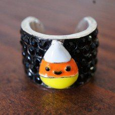 Ok, this stethoscope charm is the coolest one I've seen so far!  With Halloween coming up soon.....Candy Corn Charm… so cute!  (Affiliate Link)
