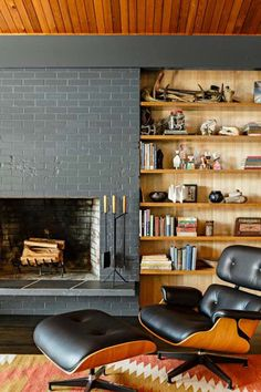 10 Midcentury Fireplaces That Are Heating Things Up | Hunker Mid Century Modern Living Room, Mid Century House, Mid Century Modern Design, Living Room Modern, Modern House Design, Modern Interior Design, Living Room Designs, Living Room Decor, Living Area
