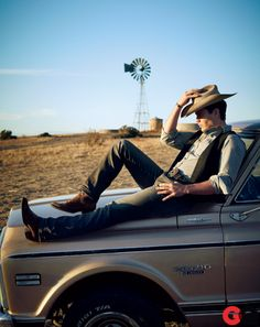Taylor Kitsch as James Dean. Love this lifestyle photo. True to the colors, vibrant, clean, simple.