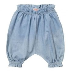 Baobab – Pale Chambray Baby Bloomers Baggy fit baby bloomers made from 100% cotton chambray with elasticised waistband and cuffs, and contrast back pocket.  Machine washable. Available in pale blue with indigo pocket.