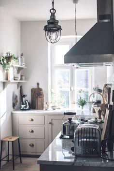 Devol Kitchens, Home Kitchens, Cottage Kitchens, Modern Kitchens, Interior Design Kitchen, Kitchen Decor, Kitchen Trends, Kitchen Ideas, Kitchen Pictures