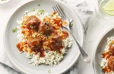 Enjoy our delicious quick and easy dinner recipes that you can cook up in 30 minutes or less. Quick and easy recipes that your family will love. Sweet N Sour Meatball Recipe, Sweet And Sour Meatballs, Meatball Recipes, Beef Recipes, Cooking Recipes, Healthy Recipes, One Pot Meals, Main Meals, Cooking