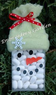 Snowman Tic Tacs ~ what a cute idea ~ even for the kids to make for friends!!