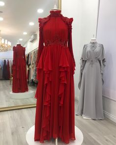 Each color separately beautiful 💜 to the left to browse the colors 🏆 Hello 0532 167 95 12 You can reach our products Whatsaap line. Casual Day Dresses, Gala Dresses, Modest Dresses, Couture Dresses, Evening Dresses, Formal Dresses, Abaya Mode, Mode Hijab, Abaya Fashion