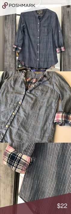 Medium Jachs Girlfriend Button Down Ride and Leisure. Incredibly soft  double layer long sleeve with pink flannel looking material underneath. This is not a flannel. It's still pretty light weight. Jachs Tops Button Down Shirts