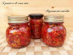 Peperoncini sott'olio, questo è il periodo adatto per preparare questa conserva, utile per arricchire molti tipi di piatti