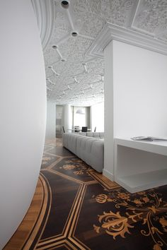 Floor + Ceiling >> Marcel Wanders In readable parquet floors and ceiling moulding Top Interior Designers, Best Interior Design, Home Interior, Interior Design Inspiration, Interior Architecture, Interior And Exterior, Floor Design, Ceiling Design, House Design