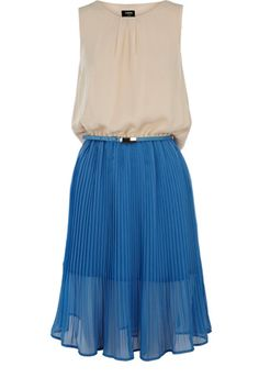 This colour block midi dress has a pleated skirt with a slightly shorter under layer and a round neckline. There is a drape detail to the back which is cut out from the dress and hangs over the back section, and this piece comes with a belt attached.