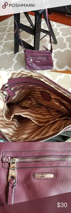 Steve Madden Crossbody purple elegant purse Steve Madden Crossbody purple elegant purse. Great condition!!!   This type of purse is a great spring/ fall purse for any occasion. Steve Madden Bags Crossbody Bags