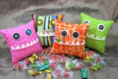 Cute and simple monster pillow- these will go in my boys' Valentine mailboxes! :)
