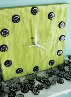 Turning these beer bottle caps into a clock as a gift for Father's Day.
