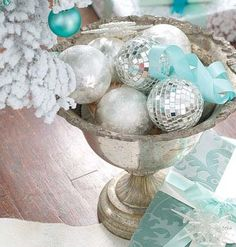 Christmas Table Centerpiece! :) <3 :)