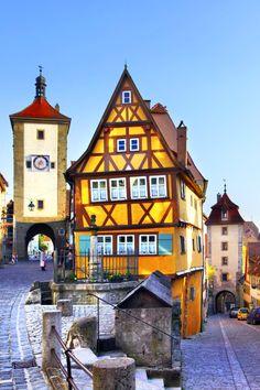 Die 10 Schonsten Dorfer Und Kleinstadte Europas Skyscanner Deutschland Kleinstadt Europa Dorf