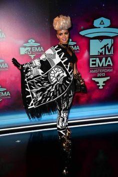 worst dressed celebrities of 2013
