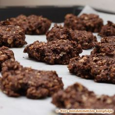 Cooking with Zoki: Healthy Chocolate Cherry Almond Crispy Treats Chocolate Cherry, Healthy Chocolate, Healthy Baking, Healthy Snacks, Healthy Tips, Refrigerator Cookies, Healthy No Bake Cookies, Quinoa Bars, Smoothies