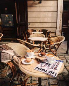 Hipster Coffee, Coffee Places, Crumpets, Wishbone Chair, Coffee Time, Hot Chocolate, Ukraine, Coffee Shop, Tea