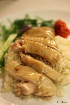 The Food Canon - Inspiring Home Cooks: Perfecting Hainanese Chicken Rice at home. The Food Canon - Inspiring Home Cooks: Perfecting Hainanese Chicken Rice at home using the Sous Vide method Chinese Chicken Rice Recipe, Hainanese Chicken Rice Recipe, Steam Chicken Recipe, Hainan Chicken Rice, Chicken Rice Recipes, Steamed Chicken, Singapore Chicken Rice Recipe, Hainanese Rice, Drunken Chicken