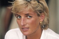 """Diana, Princess of Wales thought Presidential candidate Donald Trump gave her """"the creeps"""" after he attempted to woo her after her divorce from Prince Charles. Princess Diana Death, Princess Charlotte, Princess Of Wales, Princess Kate, Lady Diana Spencer, Duke And Duchess, Duchess Of Cambridge, Donald Trump, Fille Gangsta"""