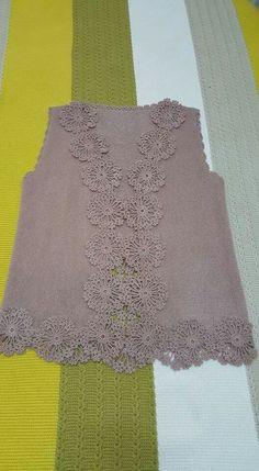 Hand Knitting Women's Sweaters Crochet Square Patterns, Crochet Cardigan Pattern, Crochet Blouse, Crochet Designs, Knit Crochet, Knitting Patterns, Hand Embroidery Dress, Crochet Woman, Crochet Clothes