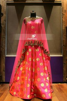 Beautiful anarkali in red Indian Gowns, Indian Attire, Indian Ethnic Wear, Pakistani Bridal, Pakistani Dresses, Indian Bridal, Indian Wedding Outfits, Indian Outfits, Indian Clothes