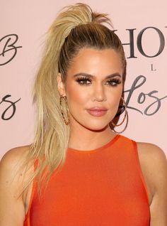 See Khloé Kardashian's latest street style look: a curve-hugging burnt orange dress and sky high heels. Blonde Lob, Short Blonde, Dress Makeup, Hair Makeup, Makeup Dupes, Burnt Orange Dress, Makeup With Orange Dress, Koko Kardashian, Celebrity Hair Stylist