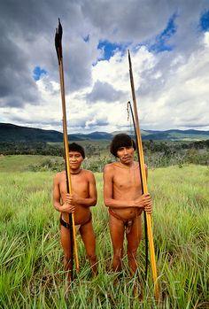 Miembros de la tribu yanomami. Parque Nacional Parima Tapirapeco, Venezuela