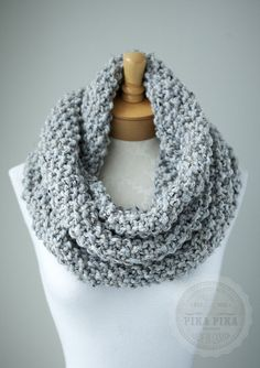 Gray knit scarf, chunky knit infinity scarf in Marble Gray or Light Grey, circle scarf, hand knitted eternity scarf, warm and soft