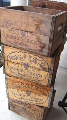 Looking for something to do with those old vintage crates you have lying around? Here are 37 very creative and fun ideas to do with vintage style craft crates. There are many ways to be creative with any type of Vintage Wood Crates, Old Wooden Crates, Wooden Crate Boxes, Vintage Crafts, Vintage Decor, Upcycled Vintage, Vintage Wine, Vintage Ideas, Vintage Stuff