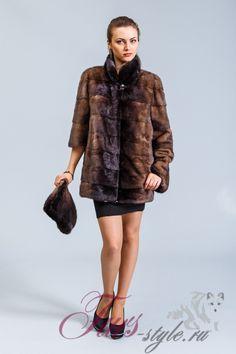 Норковая куртка от пятигорской фабрики. Укороченнная модель с воротником. Цвета орех.