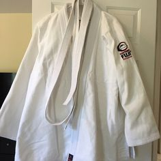 Karate gi Excellent condition karate Gi. Size A5. Belt size 7. Men's size. Fuji Other