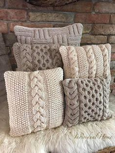 Knitted Cushion Covers, Knitted Cushions, Knitting Stitches, Knitting Patterns, Crochet Pillow Pattern, Free Knitting, Knitting Projects, Crochet Projects, Weaving
