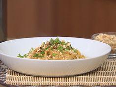 Thai Chicken in Peanut Sauce Power Pressure Cooker, Instant Pot Pressure Cooker, Pressure Cooking, Power Cooker Recipes, Easy Pressure Cooker Recipes, Pasta Recipes, Dinner Recipes, One Pot Meals, Main Meals