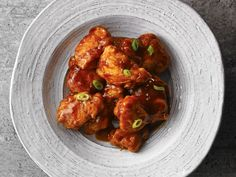Poulet général sirop, general tso chicken with maple syrup Turkey Recipes, Chicken Recipes, Dinner Recipes, Poulet General Tao, Asian Recipes, Ethnic Recipes, French Recipes, Boneless Chicken Breast, Tandoori Chicken