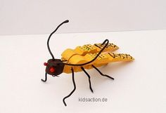 Biene  - bee made from clothespins