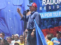 Antonio Ledezma se dirige a los presentes de Parque Central.