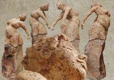 Marianne van den Berg, In control, ceramic patinated 52 x 18 x 19cm