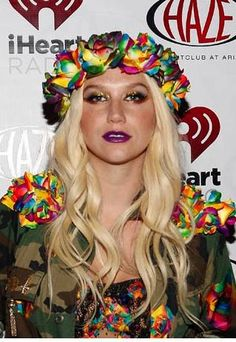 KESHA OVERSIZED ROSE FLORAL CROWN HEADBAND